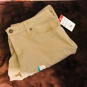 NWT Women's Khaki Pants Sz18A